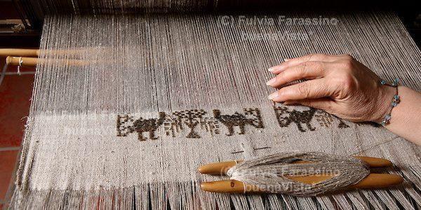 Bisso, la tessitura della seta di mare. Salviamo l'antica arte di Chiara Vigo (PETIZIONE)