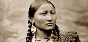 La saggia, genuina e indomita bellezza delle donne degli Indiani d'America