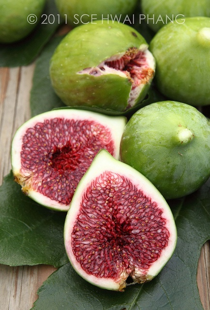 Figs, never seen this fruit, u can`t find it in a tropical country