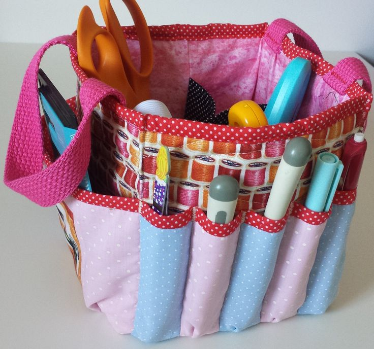 one more organizer for our sewing room is never too much... I love my little pouch.