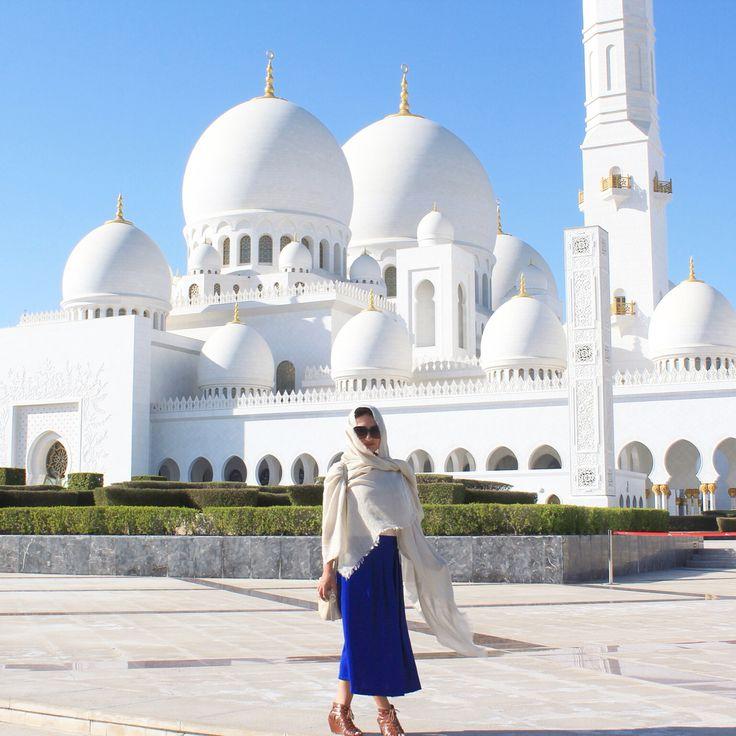 El Sheikh Zayed Grand Mosqur in Abu Dahbi UAE