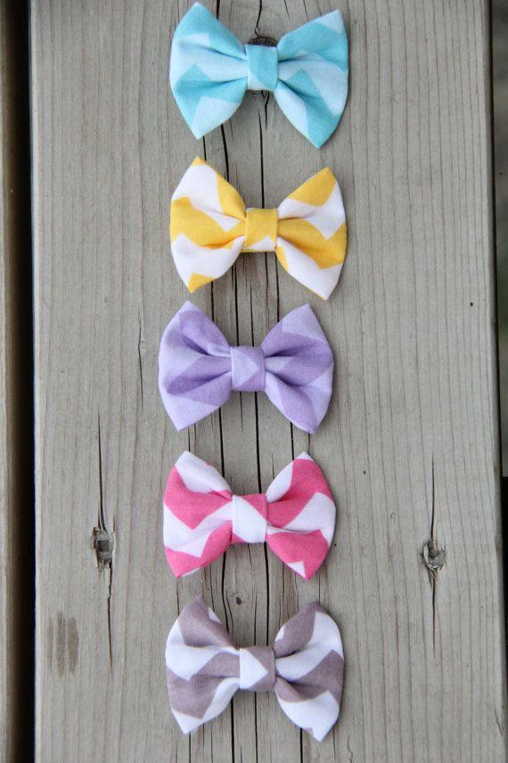 Tiny Hair Bows - Baby and Toddler Hairbows - Chevron Print hair bows - Set of 5 for 18 dollars - Handmade hair bows - Extra small size