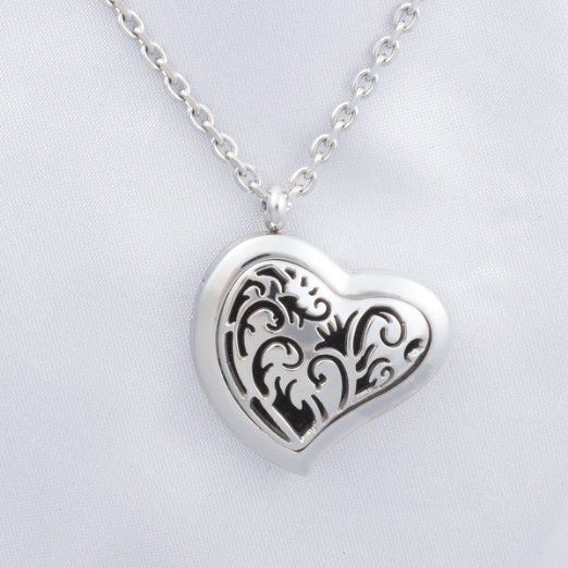 Stainless Steet Heart Aromatherapy Necklace - Elegant and hypoallergenic essential oil jewelry