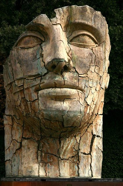 """The only modern contemporary sculpture in the Gardens, Igor Mitoraj's """"Tyndareus Cracked"""" (1998) was part of an exhibition, and it remained in the garden after the exhibit. He often creates statues resembling the deterioration which occurs to classical sculptures over time.  - chapter 27"""
