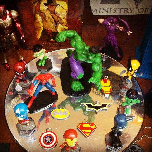 Algunos muñecos de Marvel (y DC) en nuestra vidriera