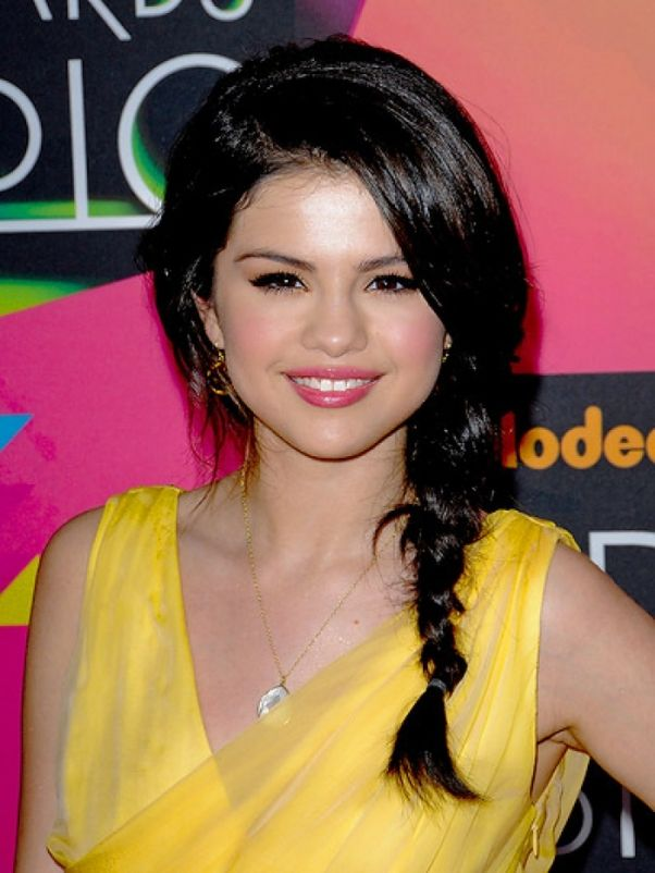 hairstyles with cowgirl hat | Selena Gomez Red Carpet Hair Styles