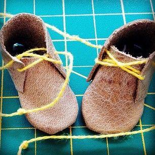 Sunny's shoes on the cutting matt @windyandfriends
