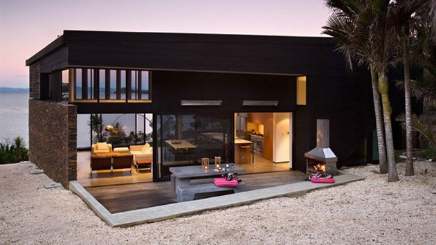 Indeed, it is true that a huge house is not enough to consider this house a comfortable place to live in. A comfortable location which is usually close to nature is a great advantage. That is why the client demanded…