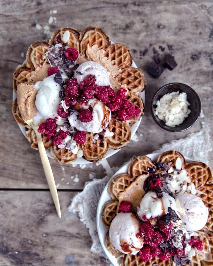 Gluten free & naturally sweetened waffles | by VANELJA