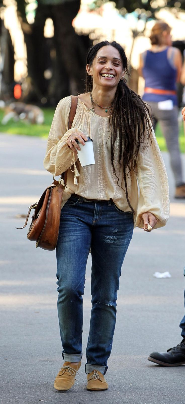 I love this casual style - this looks so great - why can I never get this look together?!  #fashiongoals