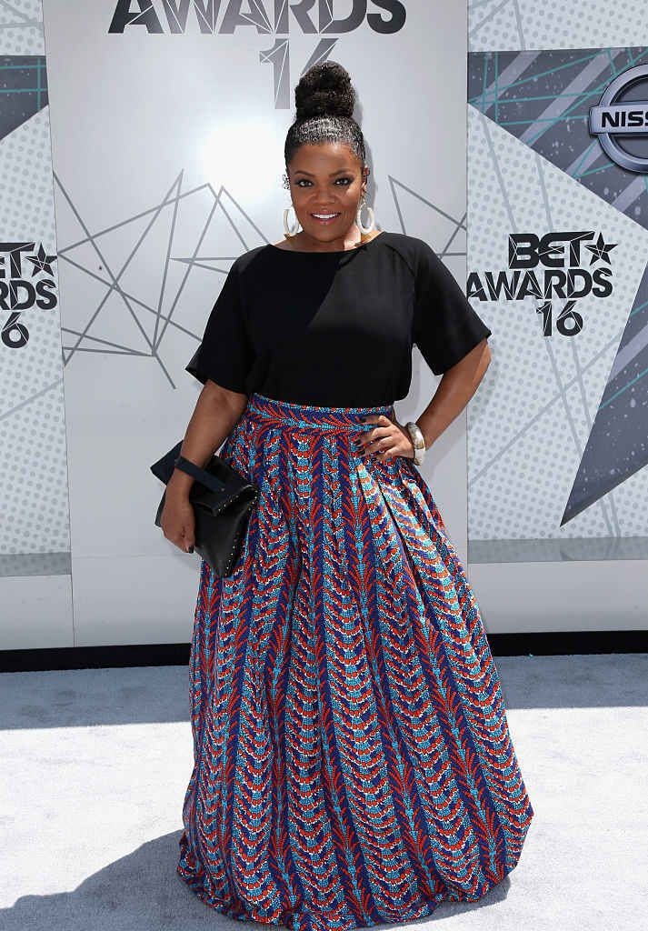 Yvette Nicole Brown also love her natural hair