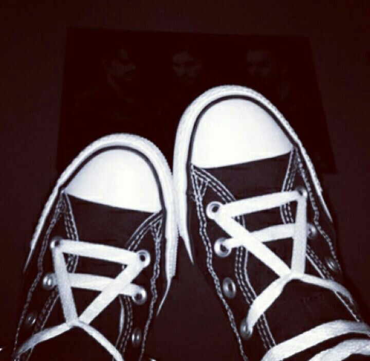 converse 30 seconds to mars