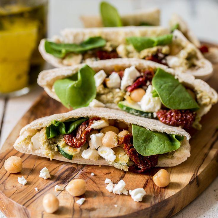 Vegetarische Pita-Taschen mit Kichererbsen, getrockneten Tomaten und Feta - Mhhh...!