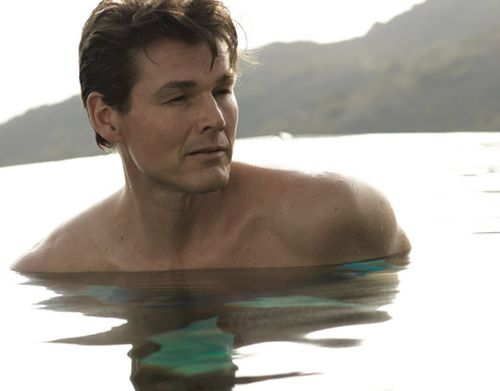 Picture of Morten Harket; from his last album: «I´m the one.» not enuf flesh
