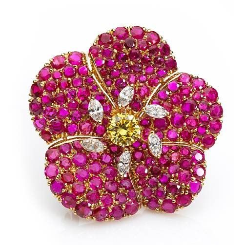 brooches luxury cartier diamond of gold chrysanthemum elegant london vintage brooch flower