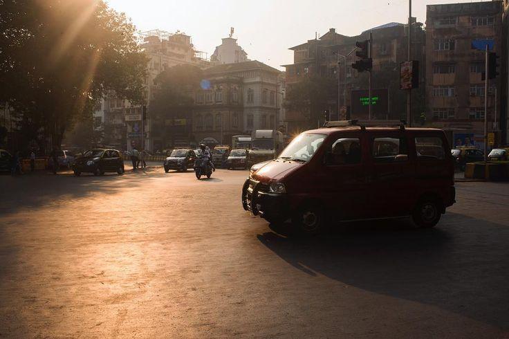 #India #Mumbai #rickshaw #tuctuc #mechanic #fixing #yellow #city #urban #beautiful #work #street #igers #vsco #vscocam #sunset #urbex #blue #car #travel #traveling #tourist #tourism #travelblogger #winter #cold #hot #nyc #la