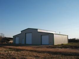 Texas Horse Barn Construction Contractor consumer guide with 32 detailed Texas horse barn construction contractor profiles.