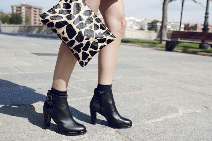RAQUEL F.(somethingintheway5) fashion blogger, wearing Gino Vaello FW14 mid-cut boots