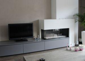 tweezijdige-haard-met-meubel