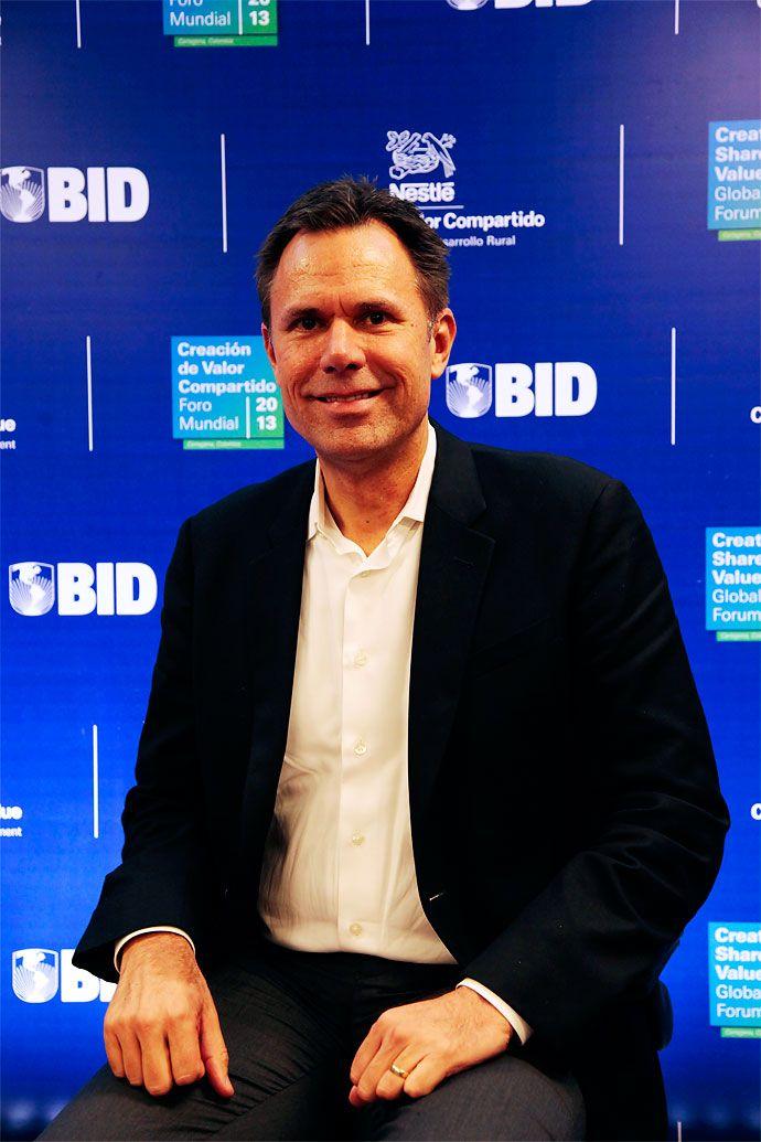 """Colombia será zona de crecimiento para Nestlé"": vicepresidente Chris Johnson - diario El Pais http://www.elpais.com.co/elpais/economia/noticias/colombia-sera-zona-crecimiento-para-nestle-vicepresidente-chris-johnson"