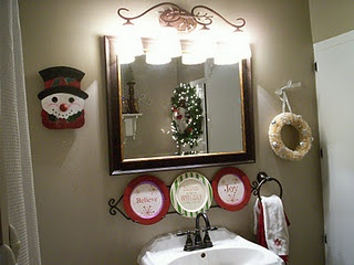 28 best Decorating the Bathrooms for Christmas images on Pinterest ...