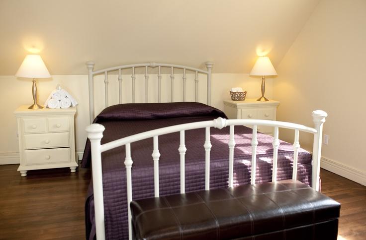 Une des 4 chambres à coucher, située au deuxième étage.
