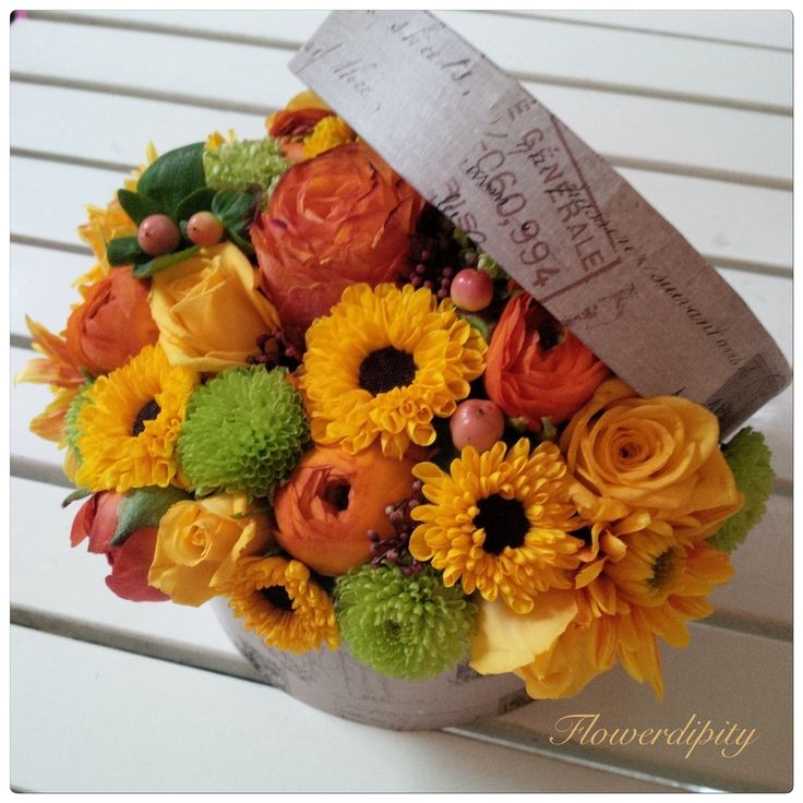 Autumn in a box  #flowerdipity #autumn #flowers #box