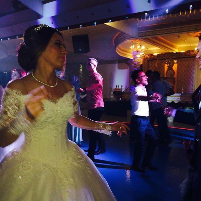 Gelinlerimizden... #weddingstore #bride #bridal #gelin #gelinlik #trabzon #artvin #rize #giresun #ordu #wedding #düğün #nikah #picoftheday #pictureoftheday #special #design #amazing #makeup #makyaj #happilyeverafter #türkiye #turkey #fun #best #awesome #shopping KARADENIZIN EN BÜYÜK GELINLIK MAĞAZASIYLA SADECE TRABZONDA HIZMETİNİZDEYİZ.  Randevu için 0462 2742525 by weddingstore_