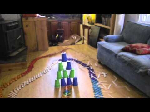 1,000 popsicle sticks explode in a domino effect
