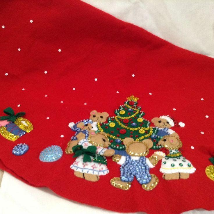 VTG Christmas 31.5 Diam Red Felt Tablecloth Tree Skirt. Teddies Around the Tree kit #33708. | eBay!
