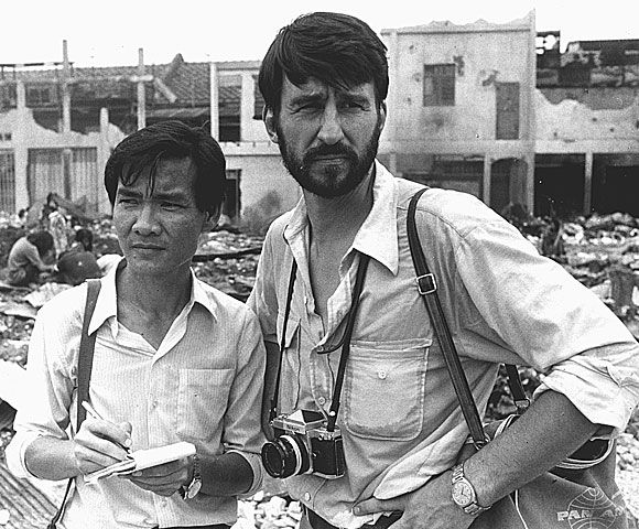 """Powerful movie. One of my all time favorites  Haing Ngor and Sam Waterston in """"The Killing Fields""""."""