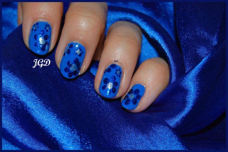 Cobalt blue flower nail art. JGD