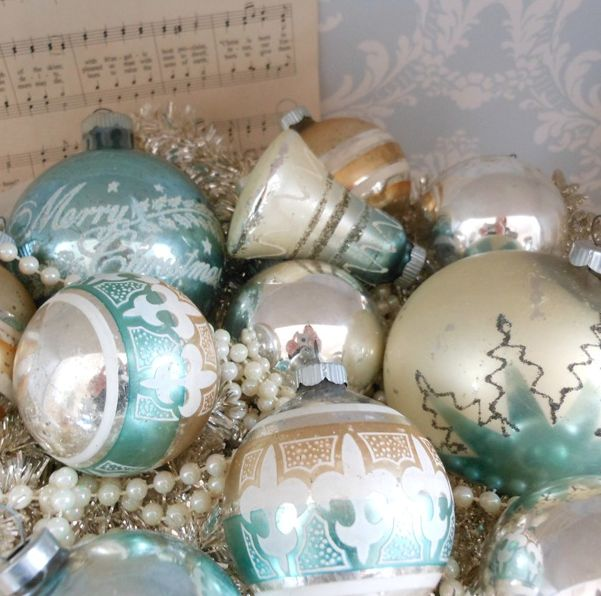 161 best Christmas ~ Vintage Wonderland images on Pinterest