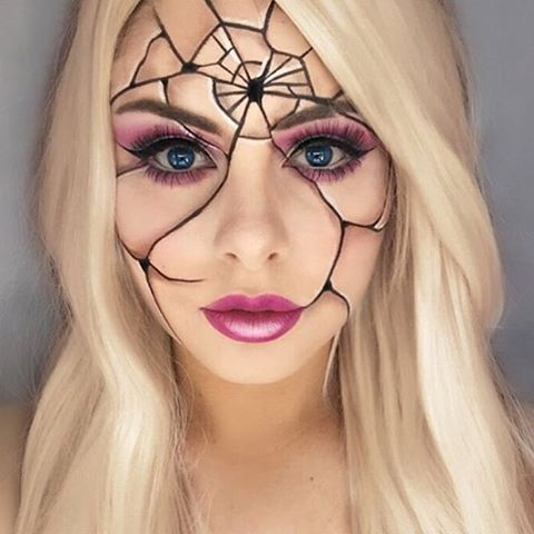 Cracked Doll fantasy makeup. Very good use of shadows and highlights