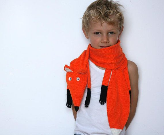 Red Fox children or adults scarf, very fun, very long and very soft! Suits all sizes from 2-3 years. This scarf was knitted with 100 % acryl yarn