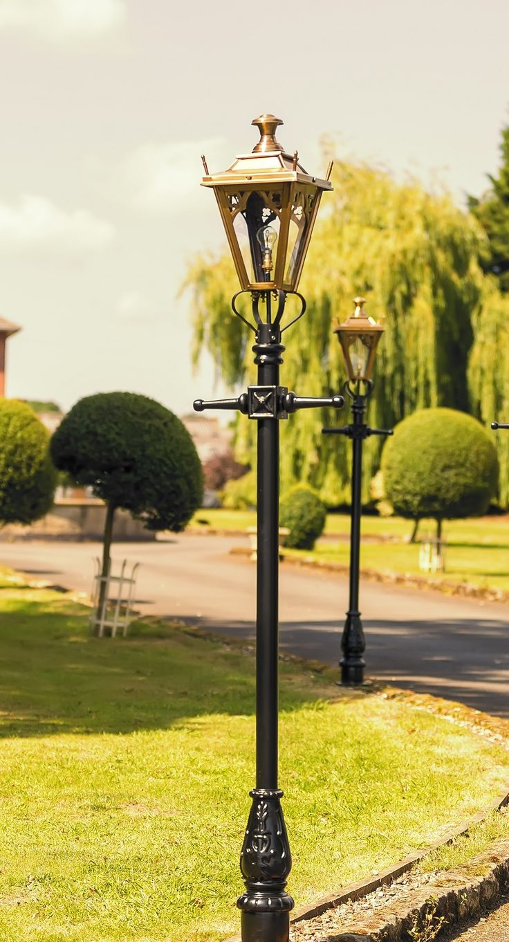 Best 20 Garden Lamp Post Ideas On Pinterest Plants By