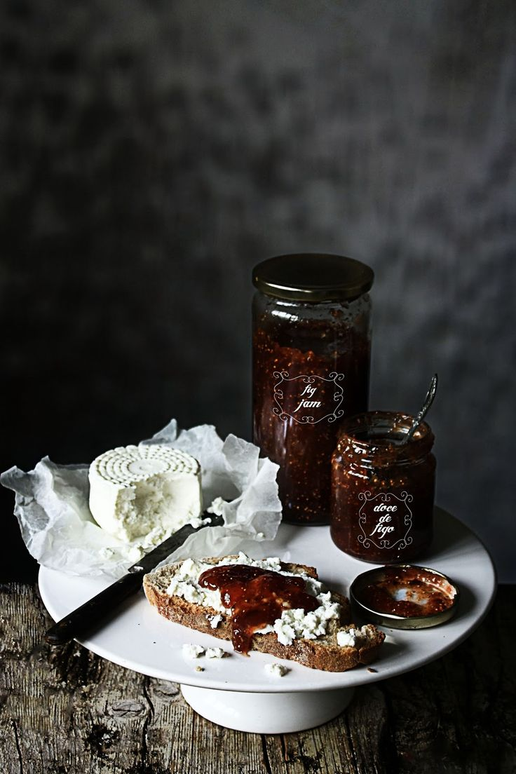 fig jam and cheese