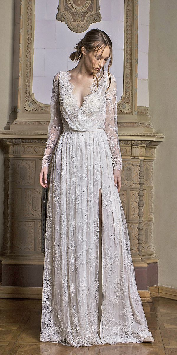 30 Vintage Wedding Dresses You Will Fall In Love In 2020 Wedding Dresses Lace Wedding Dresses Vintage 1920s Wedding Dress