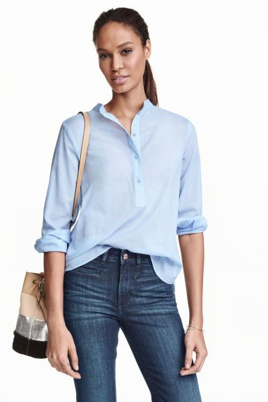 Cotton grandad-collar blouse : Long-sleeved blouse in airy cotton with a grandad collar, button placket and rounded hem that is slightly longer at the back.