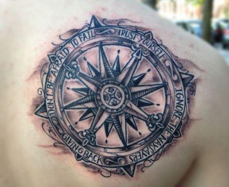 suchergebnisse f r 39 kompass 39 tattoos tattoo lass deine tattoos bewerten. Black Bedroom Furniture Sets. Home Design Ideas