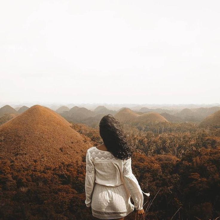 Dreaming of the Chocolate Hills of the Philippines. Where are you dreaming of this fine Saturday morning? Image via @jonagrey