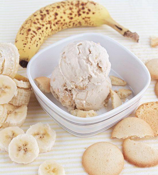 Banana Pudding Ice Cream Recipe without using ice cream maker | http://rasamalaysia.com