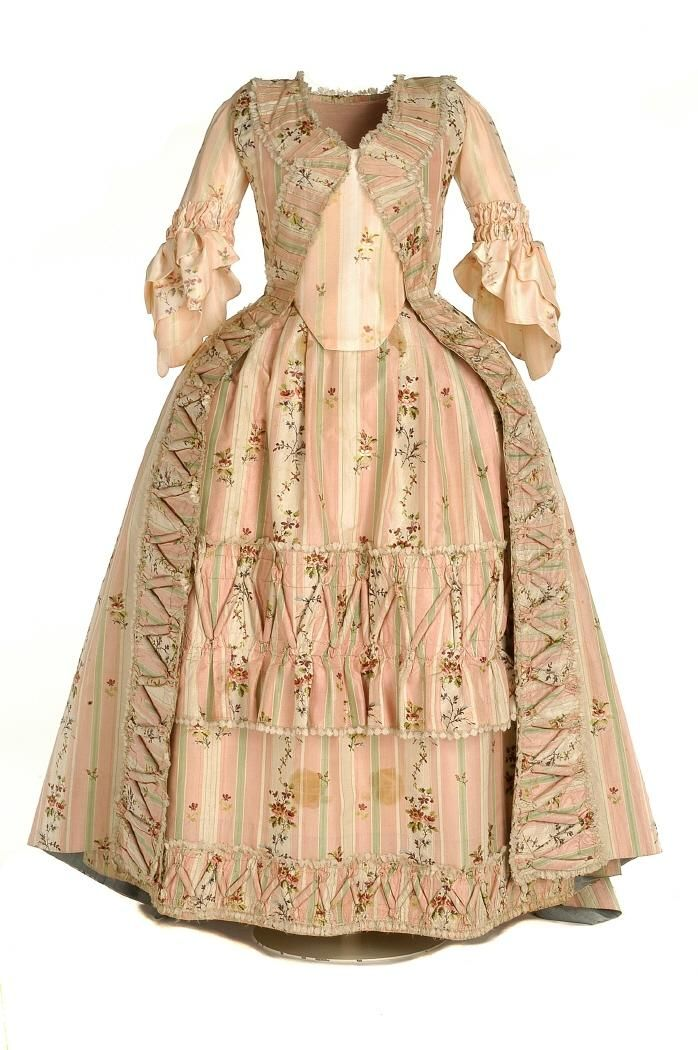 My god, this is gorgeous. Rococo from the Spanish Museum of Costume, ca. 1770