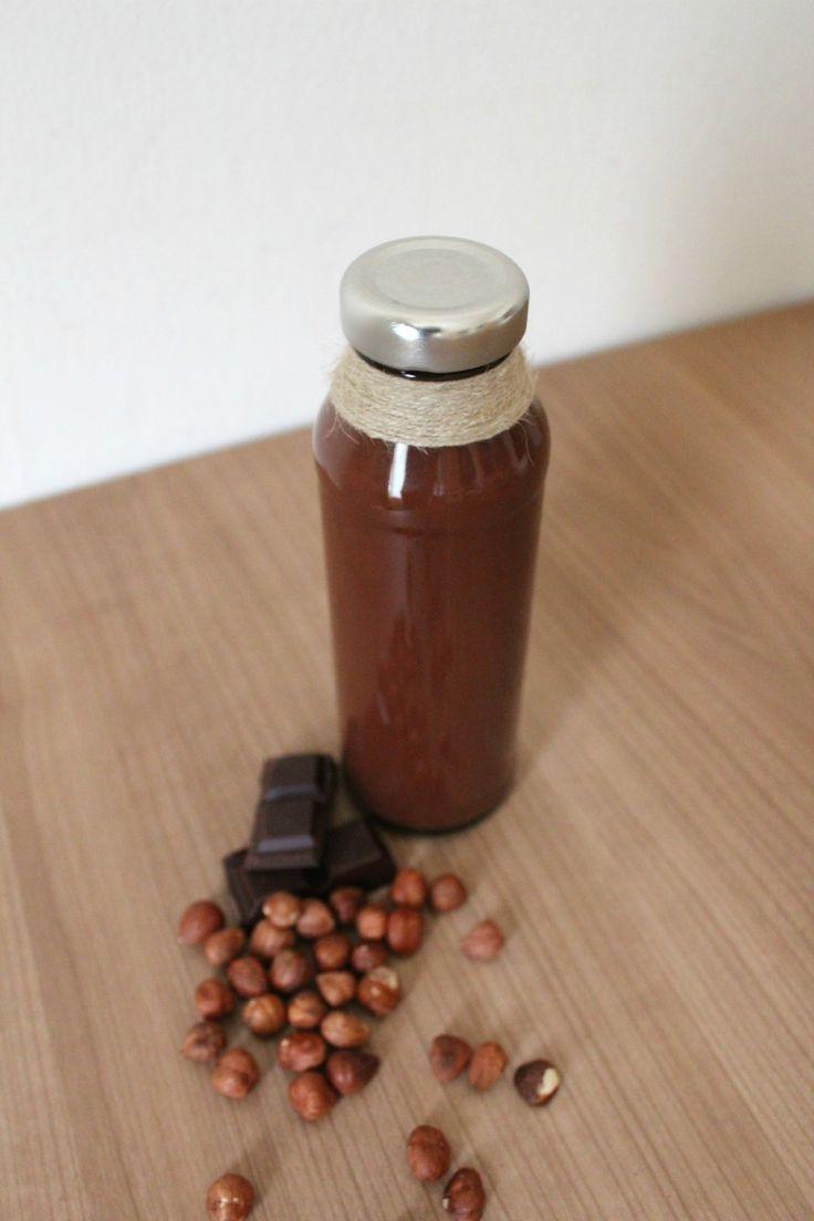 Geschenke aus der Küche: Veganes Haselnusslikör | blattgrün
