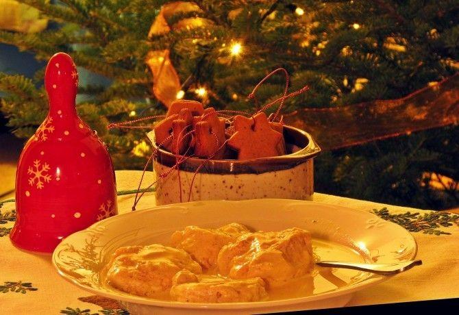 Egy isteni ünnepi leves nélkül nem teljes a karácsonyi menü, a kínálat pedig mérhetetlenül nagy - újítsunk, változtassunk, vagy főzzük kedvencünket idén új recept szerint!
