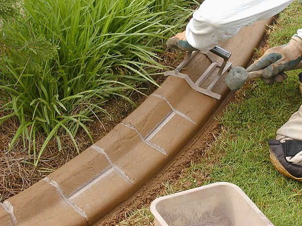 Different types of garden edging concrete edging for Edging your yard