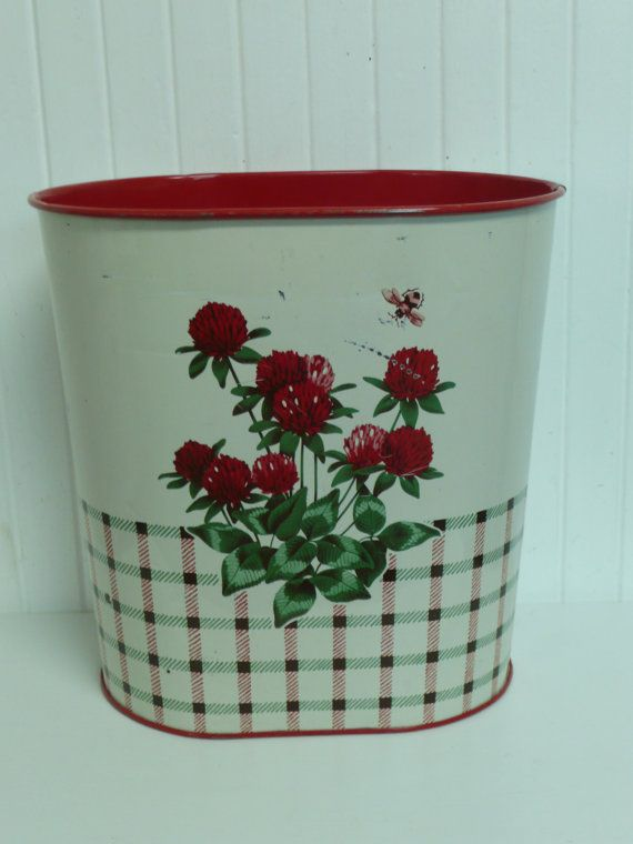 1000 Images About Vintage Metal Trash Cans On Pinterest Peanuts Snoopy Trash Bins And Metals