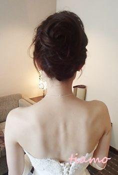 「 綺麗めナチュラルアップからサイドダウン♡美人花嫁さまの素敵な一日 」の画像|大人可愛いブライダルヘアメイク『tiamo』の結婚カタログ|Ameba (アメーバ)