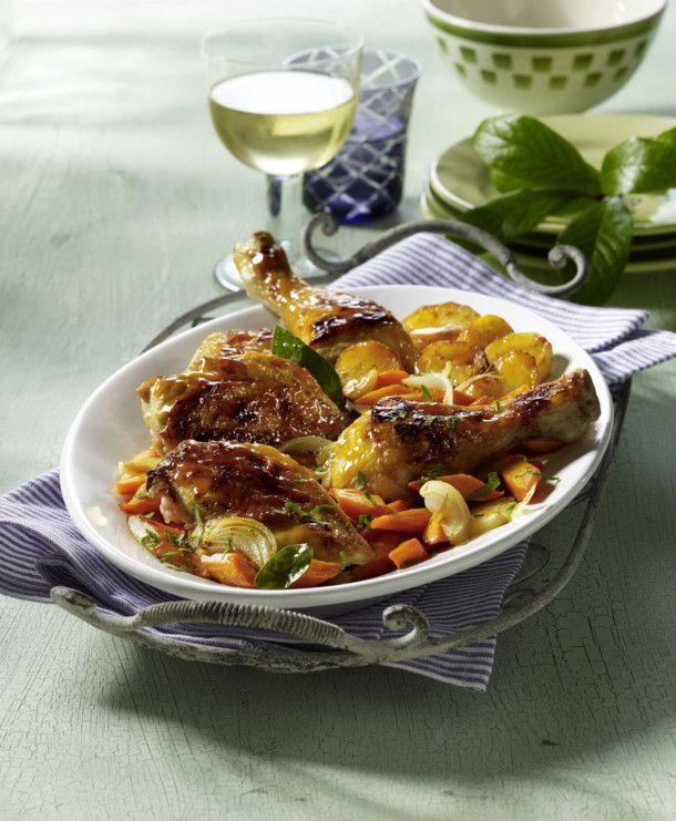 Unser beliebtes Rezept für Ofenhähnchen mit Möhren und Kartoffeln und mehr als 55.000 weitere kostenlose Rezepte auf LECKER.de.