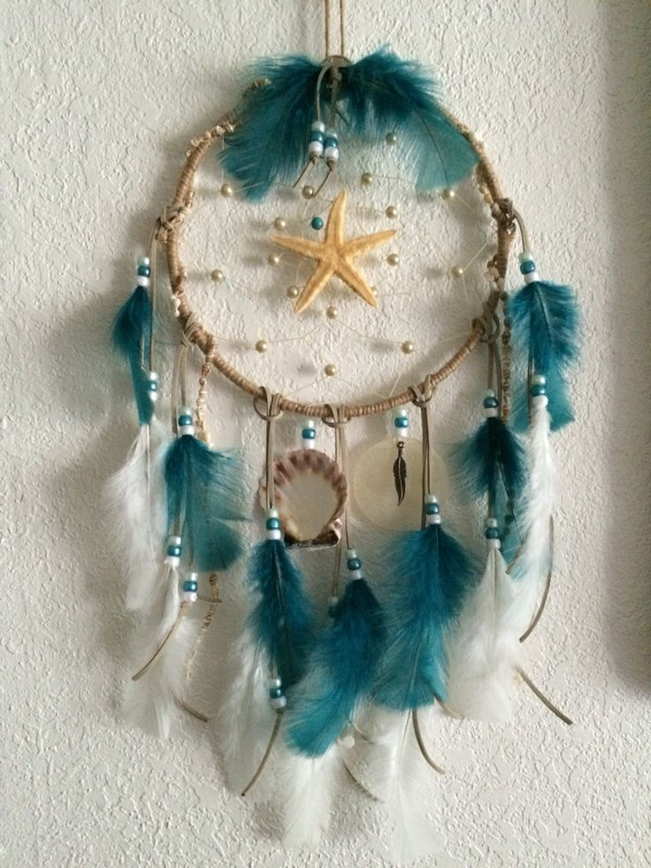 Teal & shell dreamcatcher -- i have some shells at home i could use!!